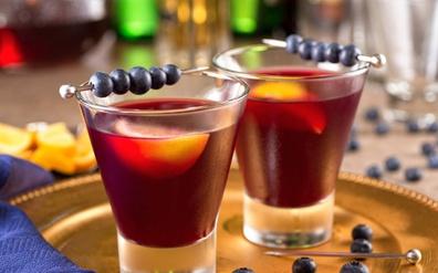 Delicious Blueberry juice cocktails